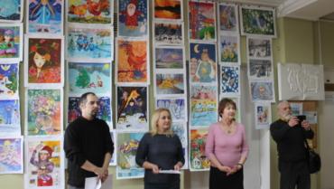 """""""Стрітення"""": виставка малюнків учнів художньої школи"""